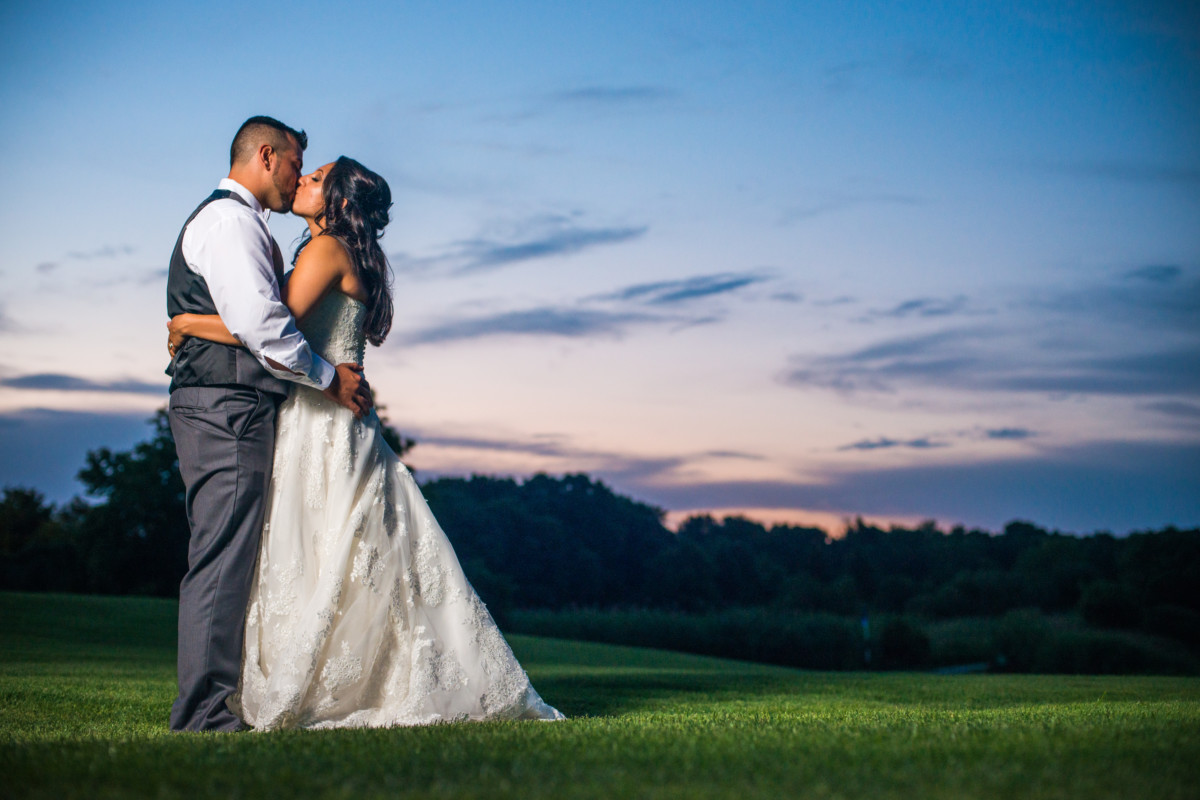 Alicia and Jay | Quidnessett Country Club Wedding | Blueflash Photography