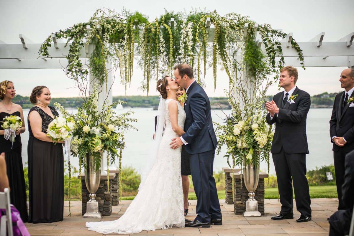 Vendor Spotlight | OceanCliff Weddings