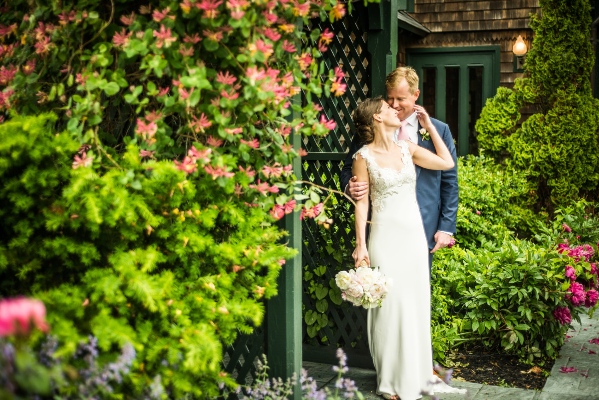 Mariel and Corey | Castle Hill Inn Wedding | Blueflash Photography