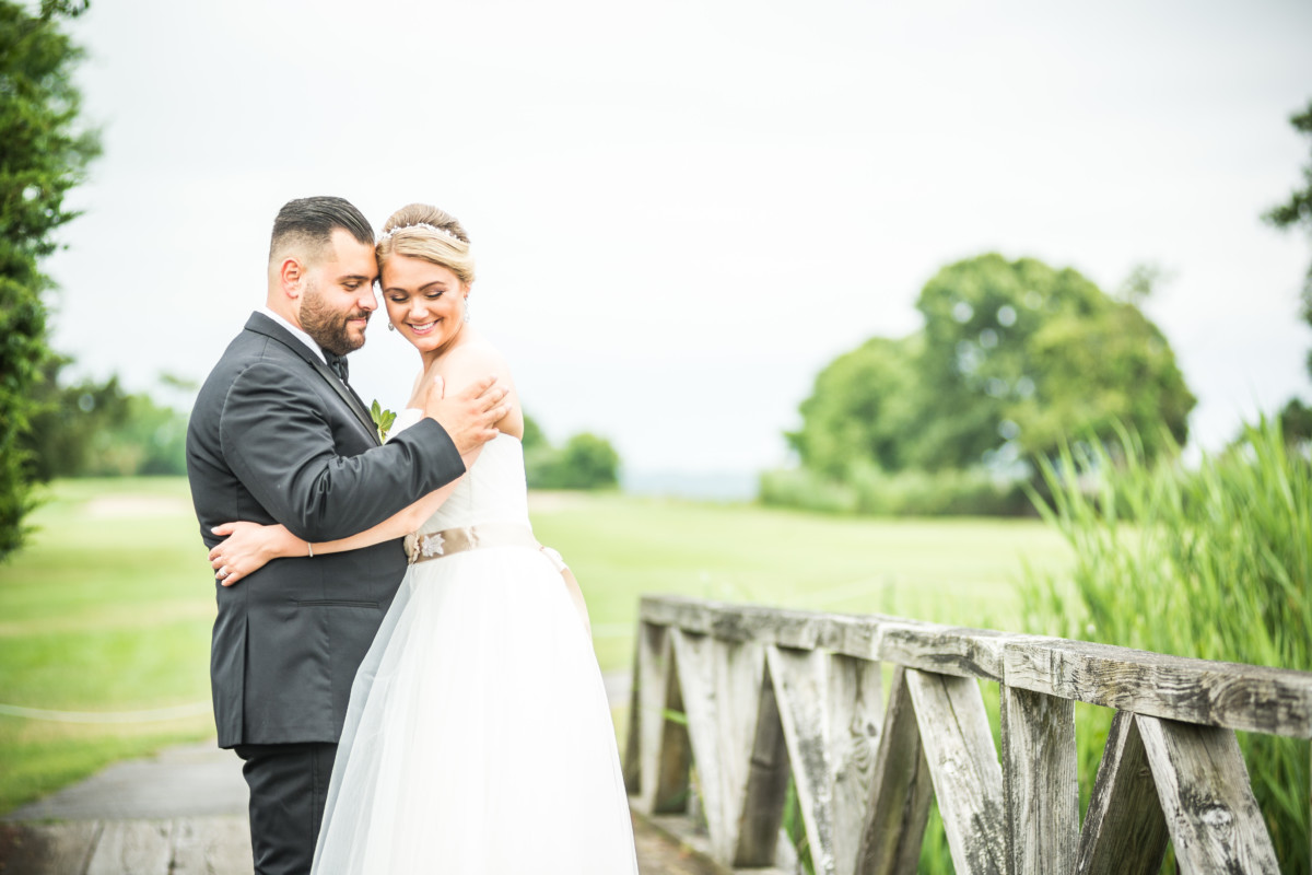 Meghan and Alex | Quidnessett Country Club Wedding | Blueflash