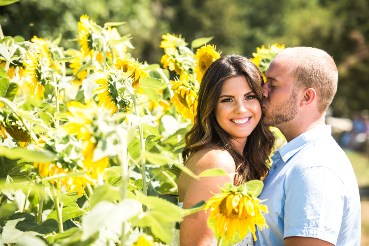 Nicole and Steve | Buttonwoods Farm Engagement | Blueflash Photography